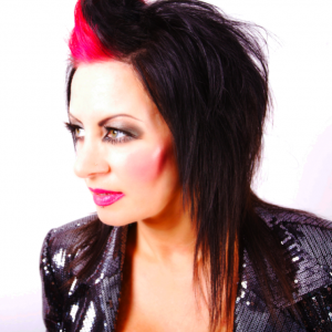 INTERVIEW WITH LISA LASHES
