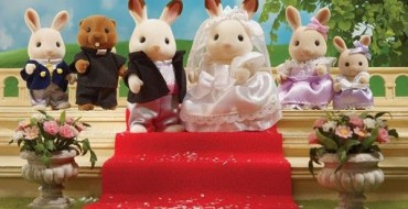 SYLVANIAN FAMILIES LAUNCH LIMITED EDITION ROYAL WEDDING SET