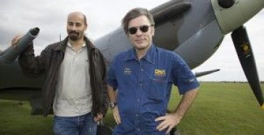 IRON MAIDEN FRONTMAN PILOTS ICELAND EXPRESS PLANES BETWEEN TOURING