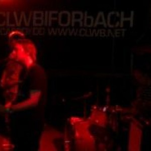 REVIEW: WAVE PICTURES AT CARDIFF CLWB IFOR BACH (12/05/11)