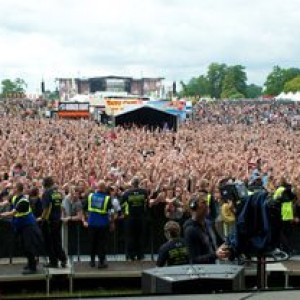 REVIEW: UK SONISPHERE FESTIVAL 2011